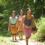 walking women by Aman
